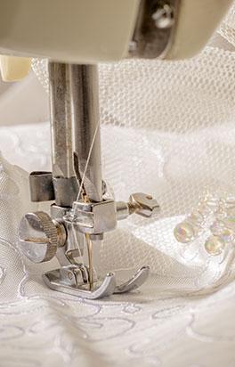 Confezionamento abito da sposa