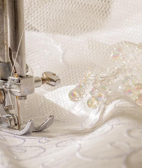 sartoria per personalizzazioni e riparazione abiti da sposa